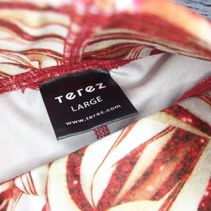 Zara Terez Pants - LAST CHANCE Zara Terez Candy Canes Christmas Tight